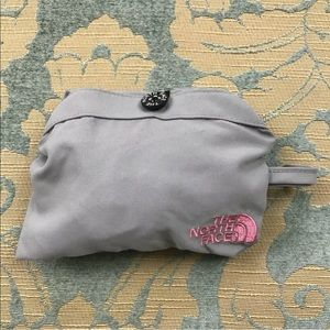 70c1c8ce9 The North Face Reversible Gray Pink Bucket Hat Bag